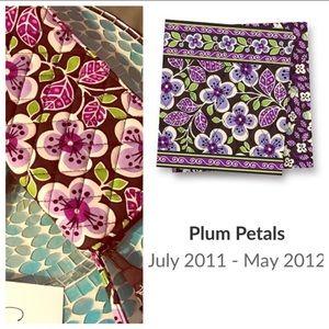 Vera Bradley Plum Petals Ziparpund Wallet Wristlet